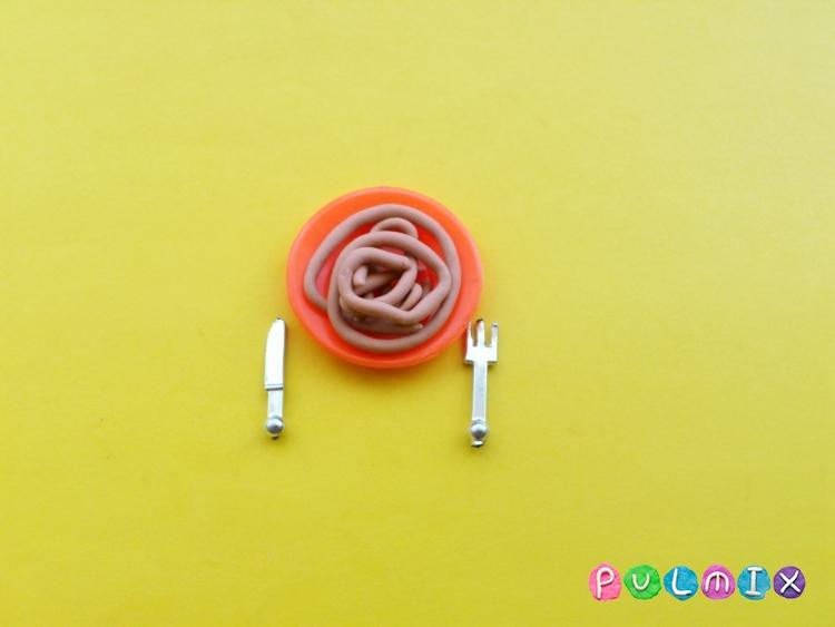 Как слепить обед для кукол из пластилина поэтапно - шаг 5