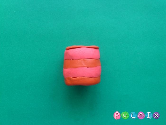 Как лепить тортик со свечками из пластилина поэтапно - шаг 3