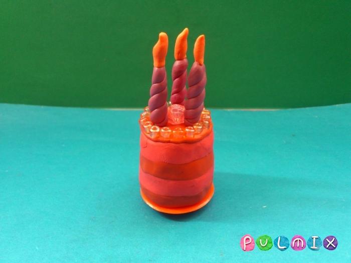 Как лепить тортик со свечками из пластилина поэтапно - шаг 7