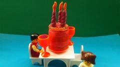 Как слепить тортик со свечками из пластилина
