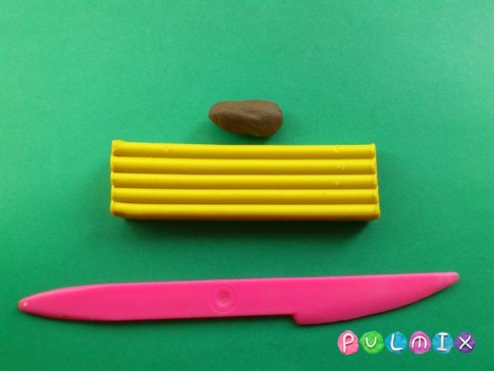 Как сделать бананы из пластилина поэтапно - шаг 1