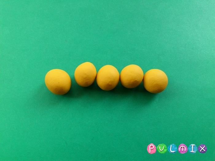 Как сделать бананы из пластилина поэтапно - шаг 3