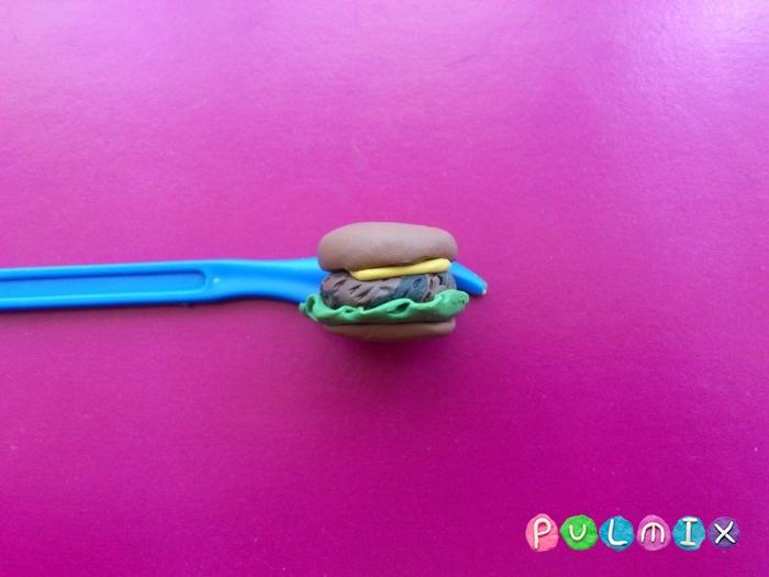 Как слепить гамбургер из пластилина поэтапно - шаг 8