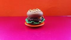 Фотография гамбургер из пластилина
