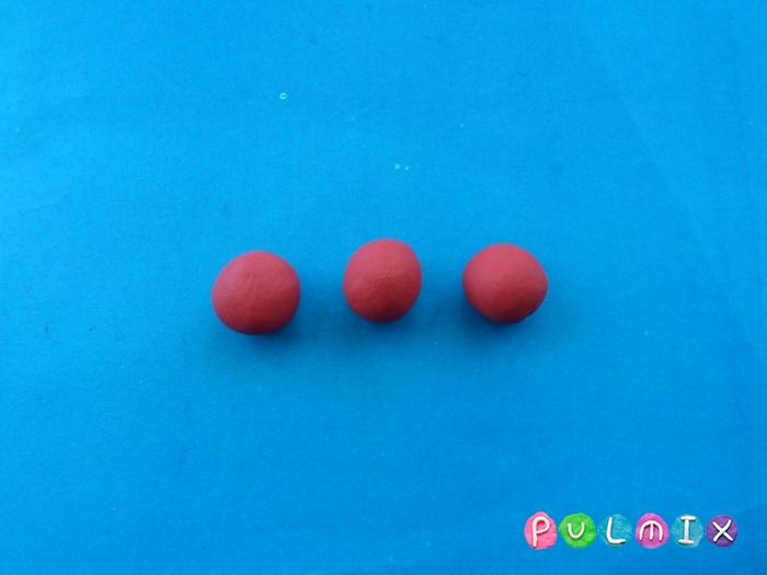 Как слепить клубнику из пластилина поэтапно - шаг 3