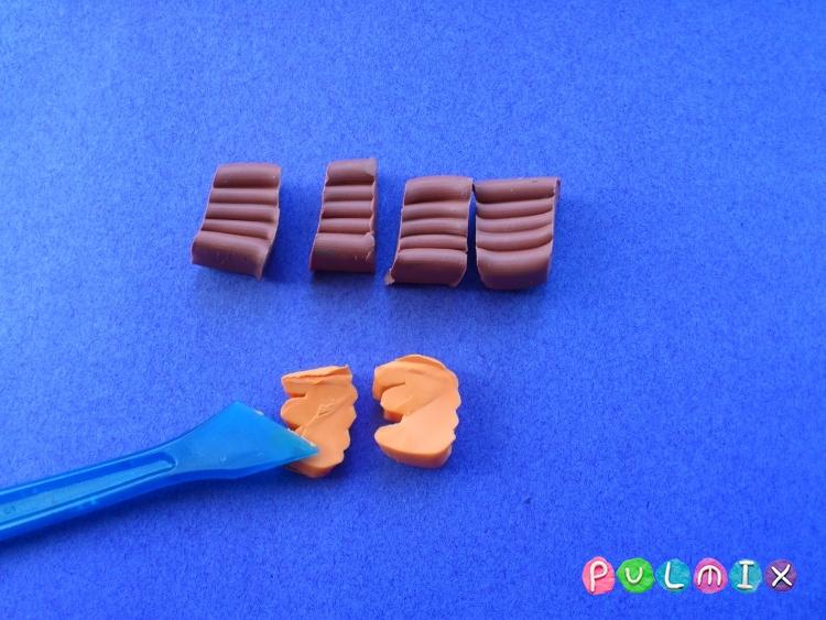 Как слепить кукольную еду печенье из пластилина поэтапно - шаг 2