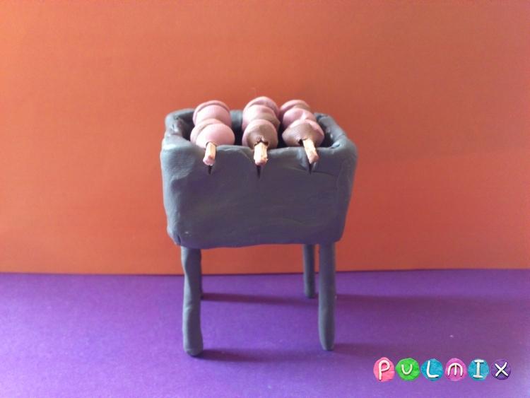 Как слепить мангал с шашлыком из пластилина - шаг 10