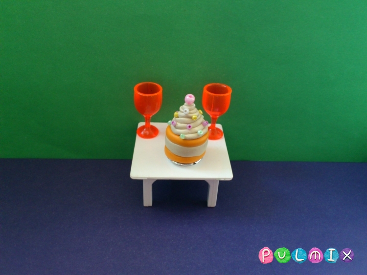 Как слепить пирожное для кукол из пластилина - шаг 7