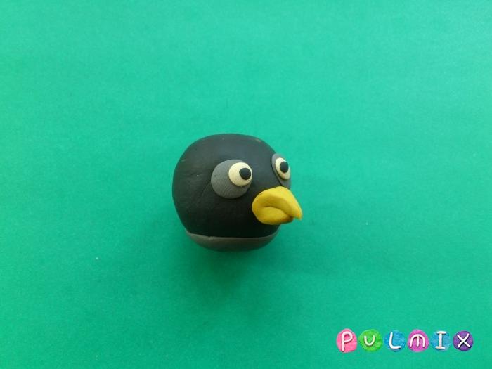 Как слепить Чёрную птицу из пластилина фото урок - шаг 6