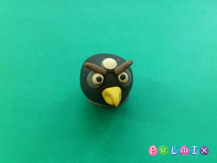 Как слепить Чёрную птицу из пластилина фото урок - шаг 7
