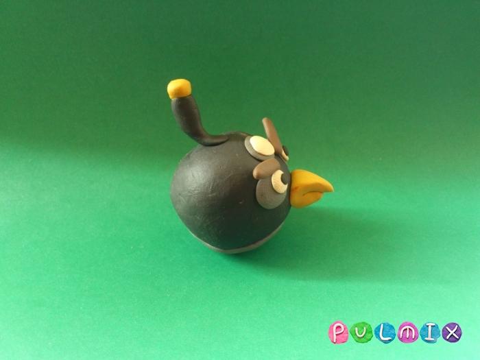 Как слепить Чёрную птицу из пластилина фото урок - шаг 9