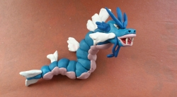 Лепка покемона Гярадоса из пластилина своими руками поэтапно