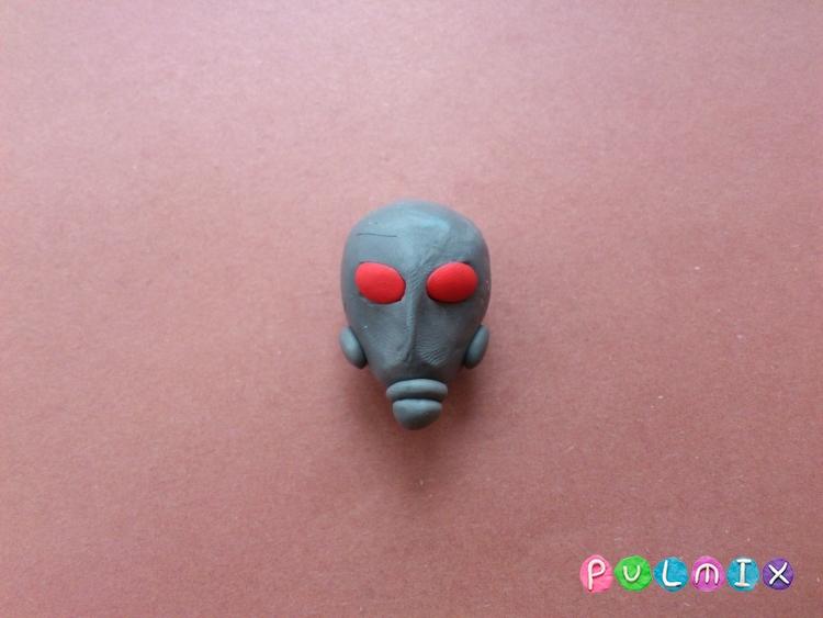 Как слепить человека-муравья из пластилина - шаг 3