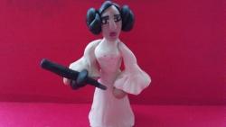 Как слепить из пластилина принцессу Лею героиню фильма Звездные войны