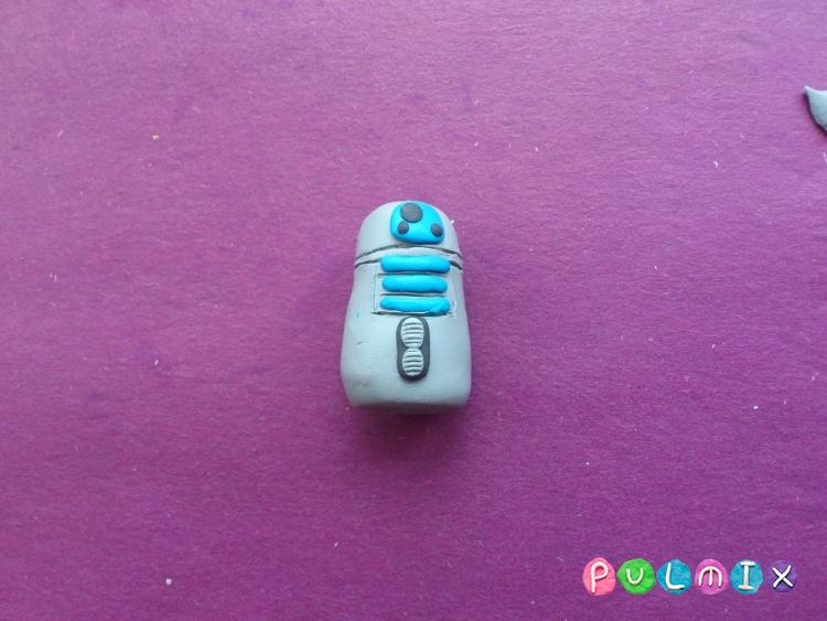 Как слепить робота R2-D2 из пластилина поэтапно - шаг 6