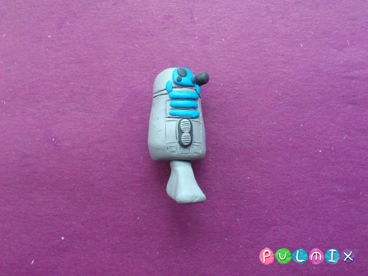 Как слепить робота R2-D2 из пластилина поэтапно - шаг 8