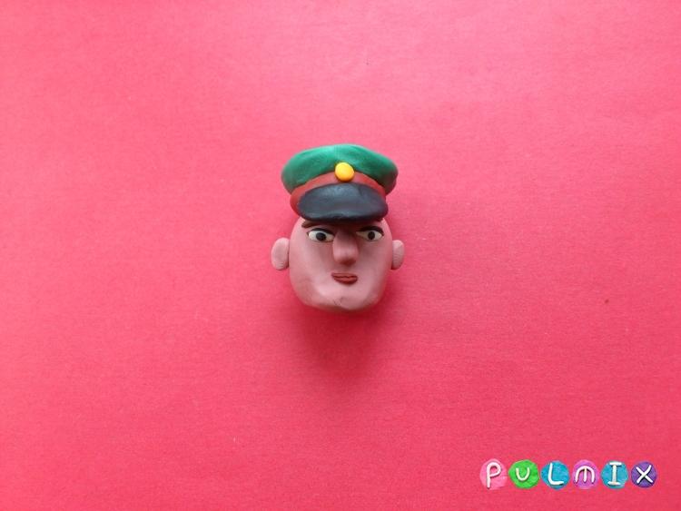 Как слепить солдата из пластилина - шаг 5