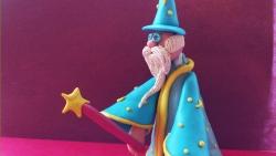 Как слепить доброго волшебника из пластилина