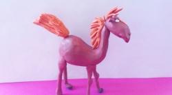 Как слепить коня Юлия персонажа мультфильма о Трех богатырях