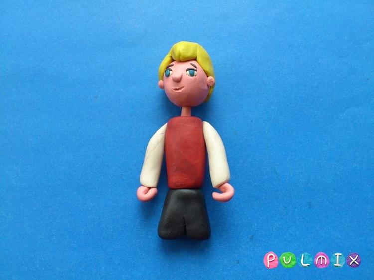 Как сделать Малыша из пластилина героя Малыш и Карлсон - шаг 9