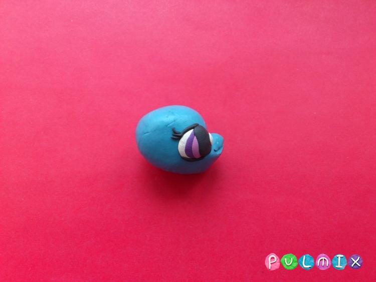 Как слепить Pet Shop дельфинчика из пластилина - шаг 6