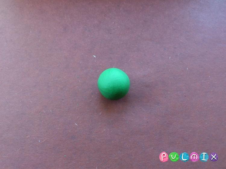 Как слепить черепашку-ниндзя Леонардо из пластилина поэтапно - шаг 2
