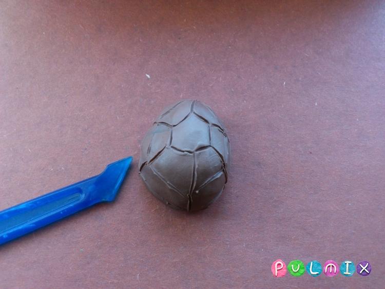 Как слепить черепашку-ниндзя Леонардо из пластилина поэтапно - шаг 8
