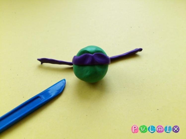 Как слепить черепашку Донателло из пластилина - шаг 11