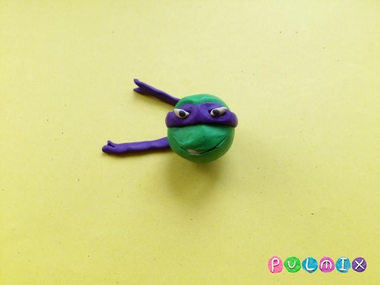 Как слепить черепашку Донателло из пластилина - шаг 12