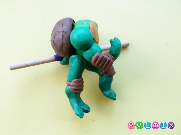 Как слепить черепашку Донателло из пластилина - шаг 9