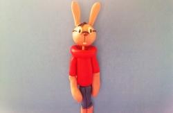 Как слепить кролика – героя мультфильма Винни-Пух из пластилина поэтапно