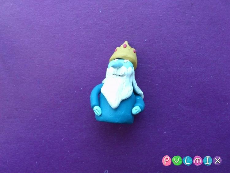 Как слепить Ледяного короля из пластилина поэтапно - шаг 9