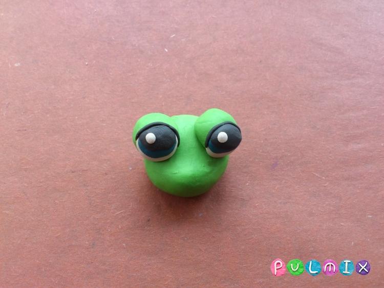 Как слепить лягушку Pet Shop из пластилина поэтапно - шаг 3