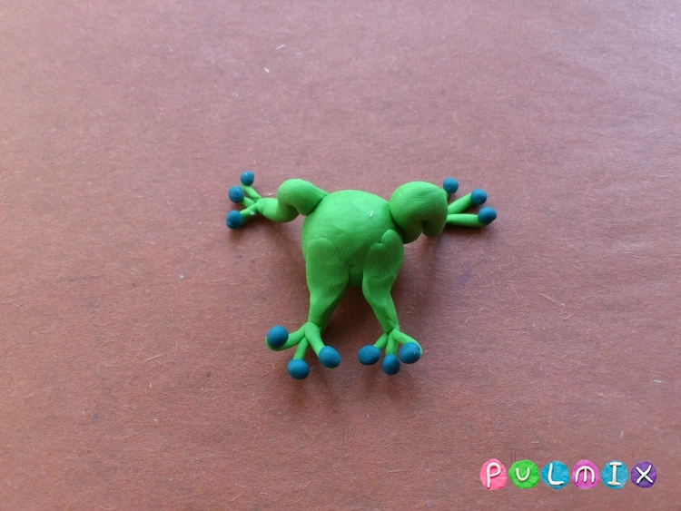 Как слепить лягушку Pet Shop из пластилина поэтапно - шаг 8