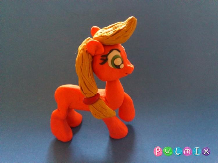 Как слепить пони Эпплджек из пластилина поэтапно - шаг 10