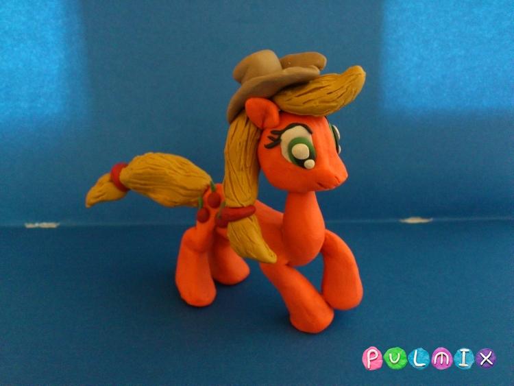 Как слепить пони Эпплджек из пластилина поэтапно - шаг 12