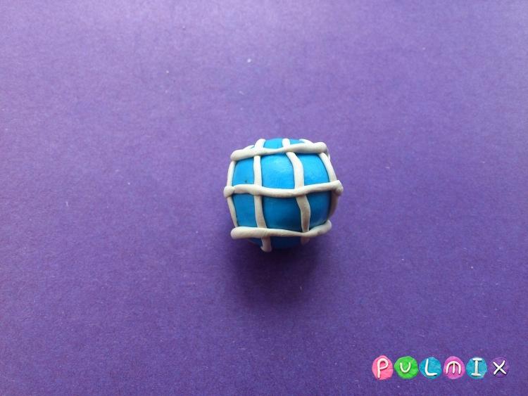 Как слепить Пятачка из пластилина из Винни-Пухе пошагово - шаг 6