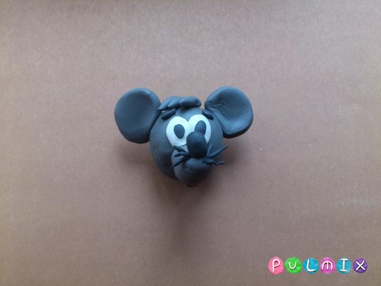 Лепим из пластилина серую мышку из мульт-ма Кот Леопольд - шаг 12