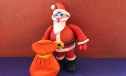 Как сделать Санта-Клауса из пластилина своими руками поэтапно