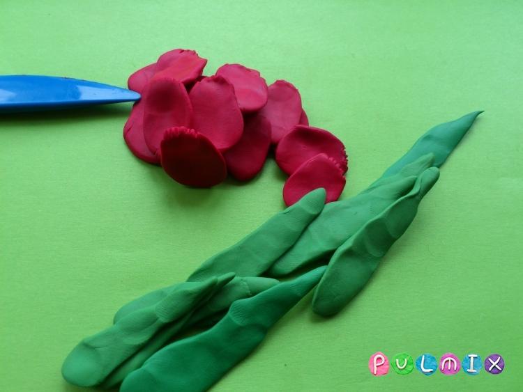 Как слепить открытку валентинку из пластилина своими руками - шаг 3