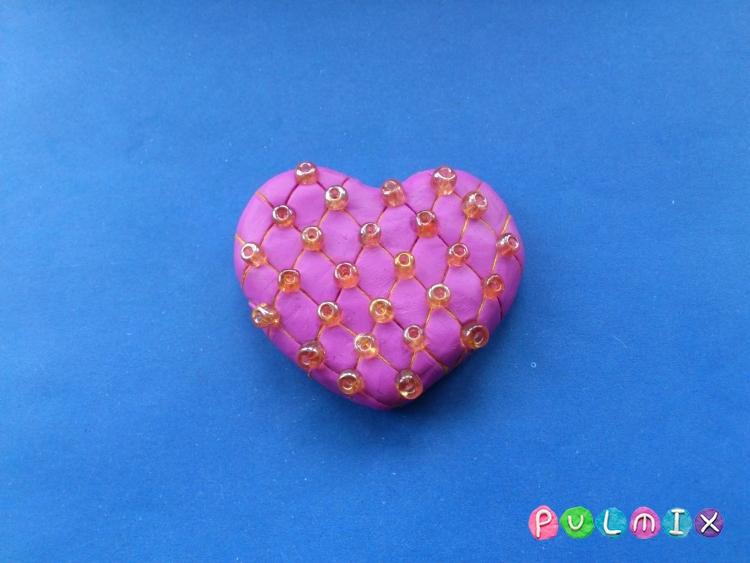 Как слепить сувенир сердечко из пластилина своими руками - шаг 6