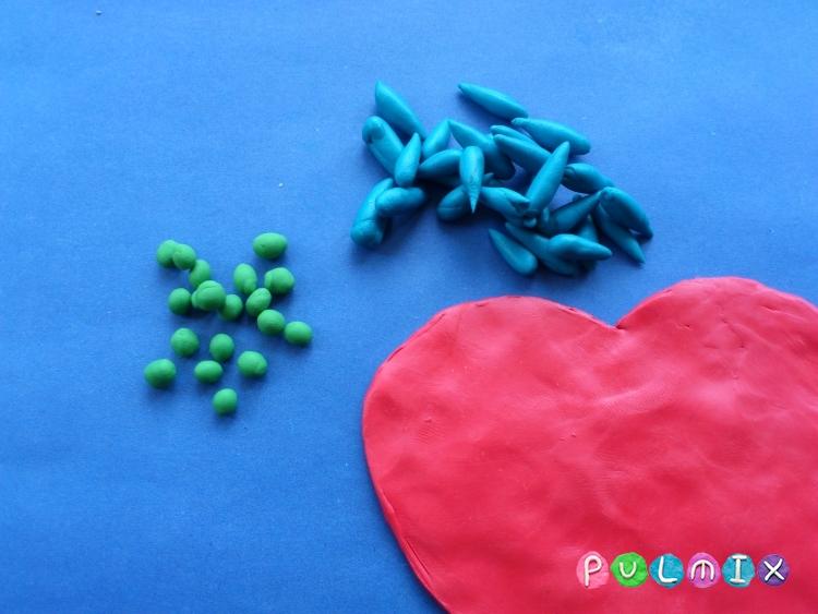 Как слепить валентинку с цветочным орнаментом из пластилина - шаг 4