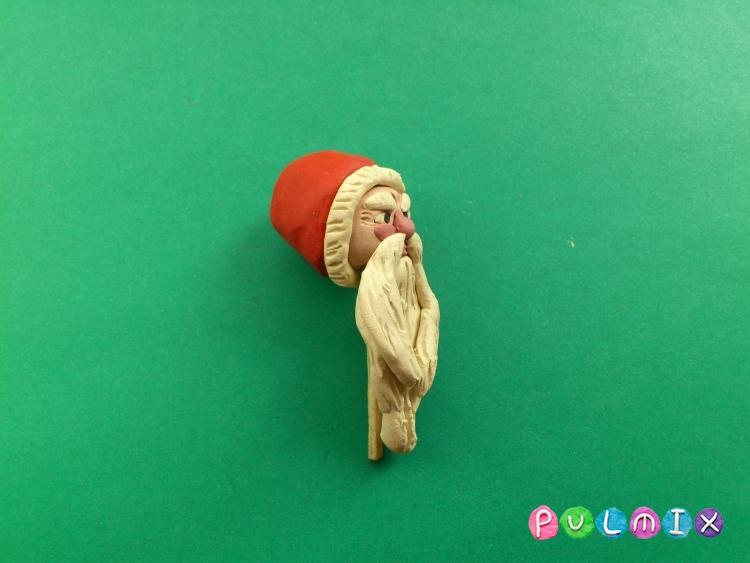 Как слепить Деда Мороза из пластилина поэтапно - шаг 8
