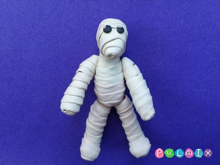 Как слепить мумию на Хэллоуин из пластилина поэтапно - шаг 8
