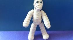 Как слепить своими руками мумию на Хэллоуин из пластилина