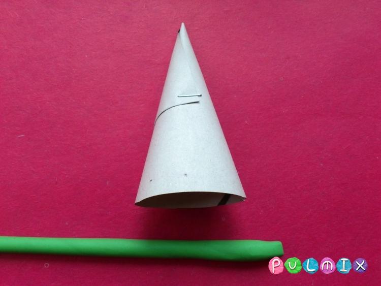 Как слепить новогоднюю елку из пластилина поэтапно - шаг 4