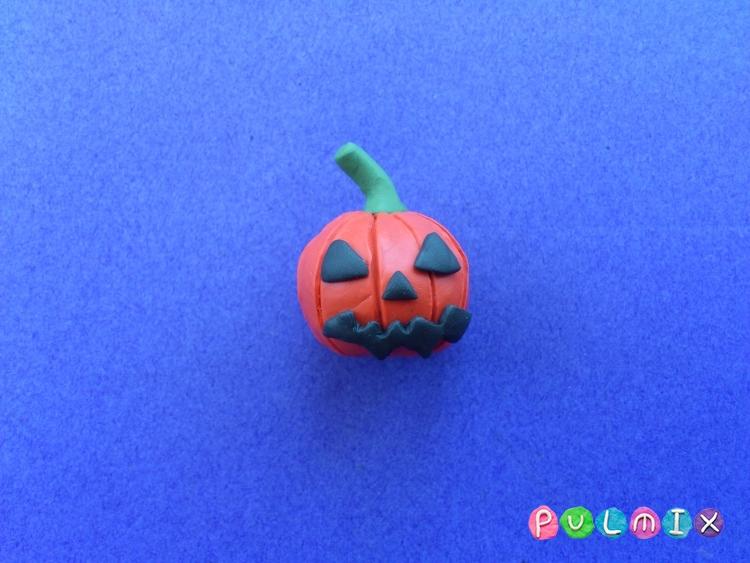 Как слепить тыкву на Хэллоуин из пластилина поэтапно - шаг 8