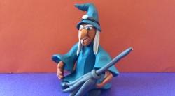 Лепка ведьмы из пластилина на Хэллоуин поэтапно своими руками