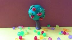 Как слепить дерево рябину с плодами из пластилина поэтапно