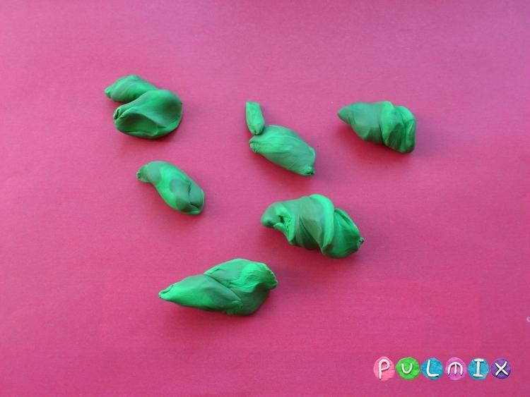 Как слепить сосну из пластилина  - шаг 3